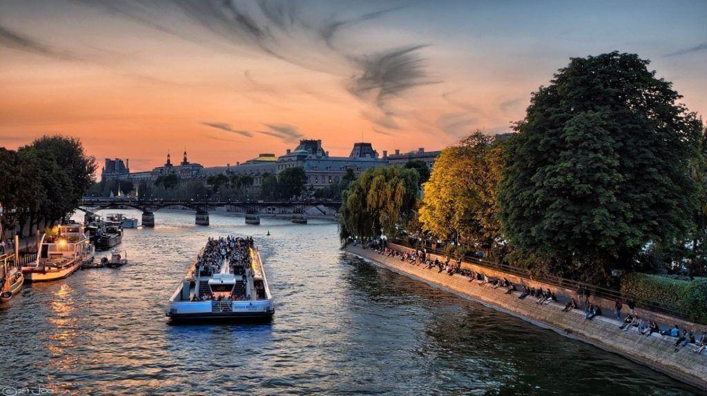 Experiência no rio Sena em Paris