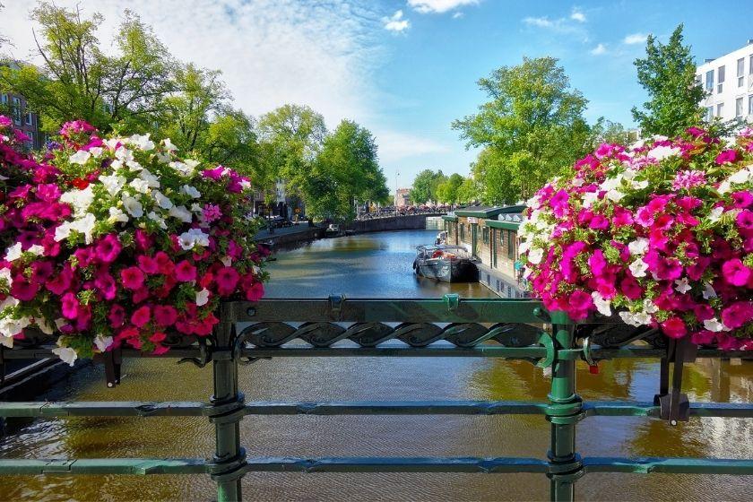 alt Amsterdam_HomeExchange, title Amsterdam_HomeExchange